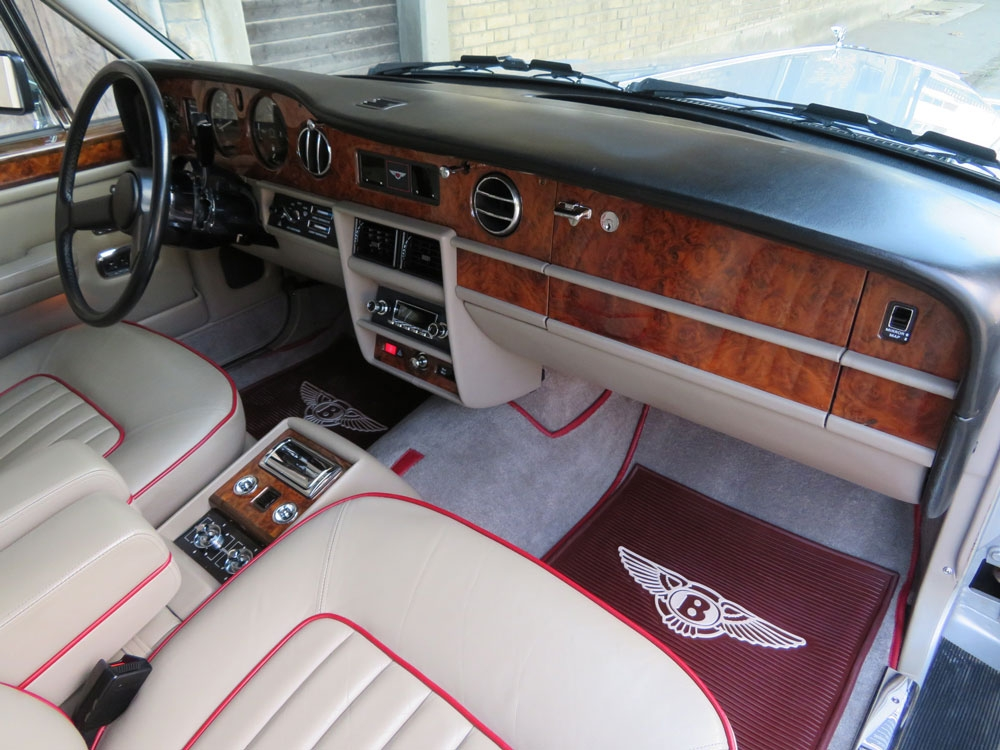 Bentley Mulsanne Limousine